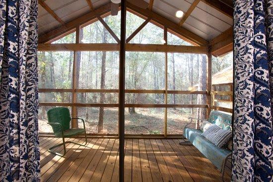 Deer Lake Lodge Resort & Spa: Cabins private patio