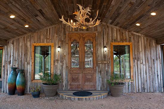 Deer Lake Lodge Resort & Spa: Check-In Area