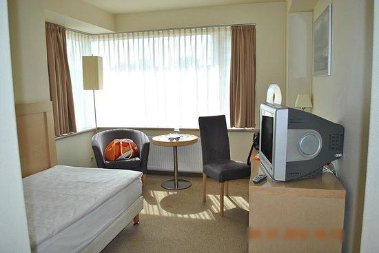 Islande Hotel: Угловой номер