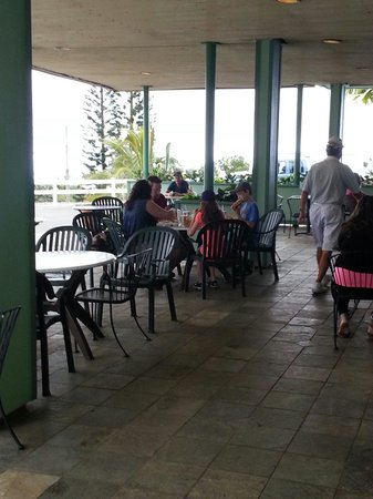 Tex Drive In & Restaurant: Seating inside or outside.