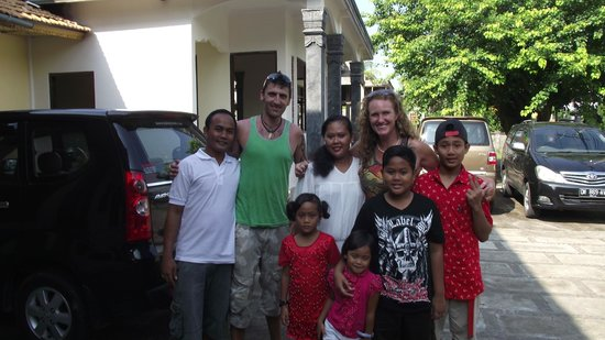 Mayong Village Tracking Experience: Putu and his lovely family