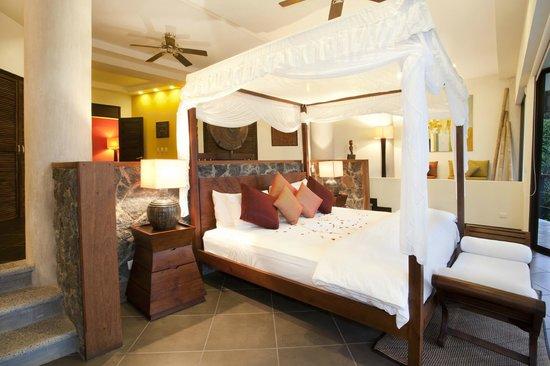 Villa Perezoso: Grand Master Suite bedroom