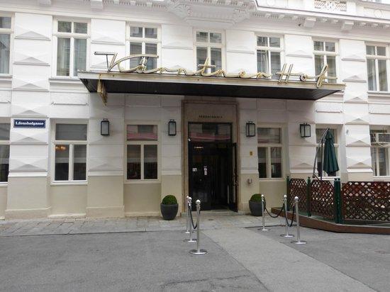 Kaerntnerhof : Hotel Entrance
