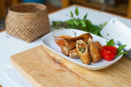 Thai Secret Cooking School : My own springrolls !