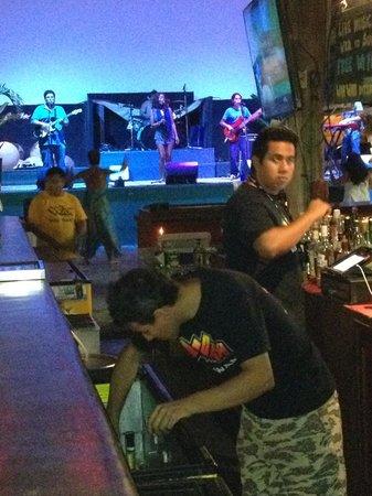 Wah Wah Beach Bar: good live music
