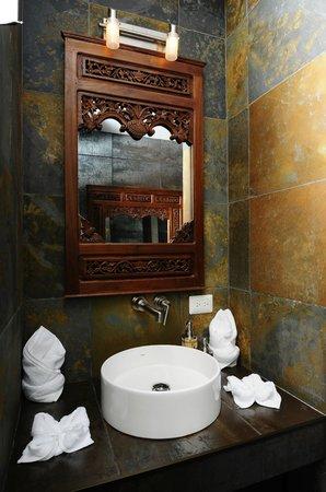 Villa Perezoso: Guest bathroom
