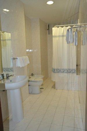 Hotel Borges Chiado: Baño