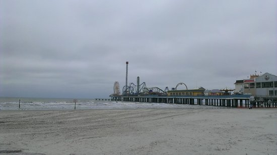 Four Points By Sheraton Galveston: Pleasure Pier view