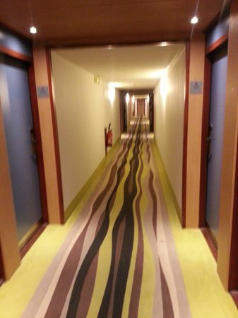 Novotel Suites Paris Montreuil Vincennes : Corridor 3rd floor