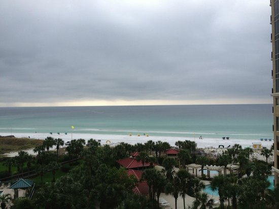 Sandestin Golf and Beach Resort: View from room on overcast day - still beautiful!