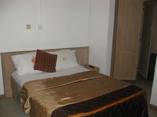 SSNIT Guest House : The bed