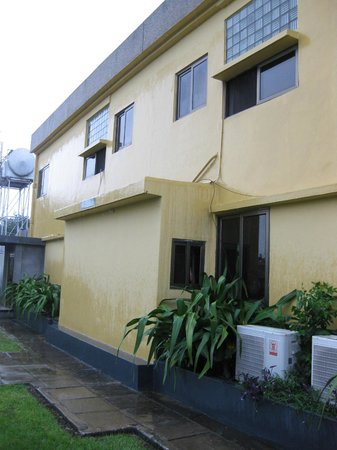 SSNIT Guest House : top floor is my room