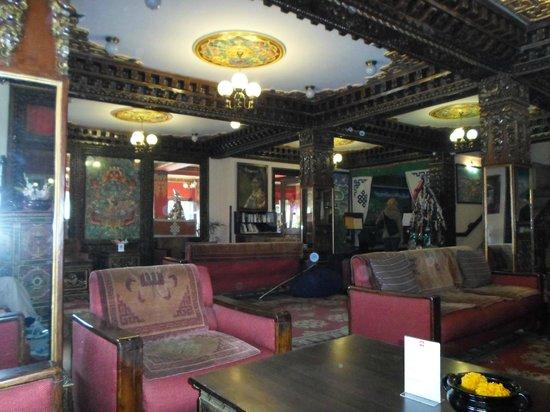 Hotel Tibet: Lobby