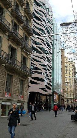 Passeig de Gràcia : Todo muy arreglado e innovador