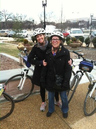 Bike and Roll DC: My wife and mother in law