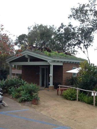 San Diego Botanic Garden: Succulent roof