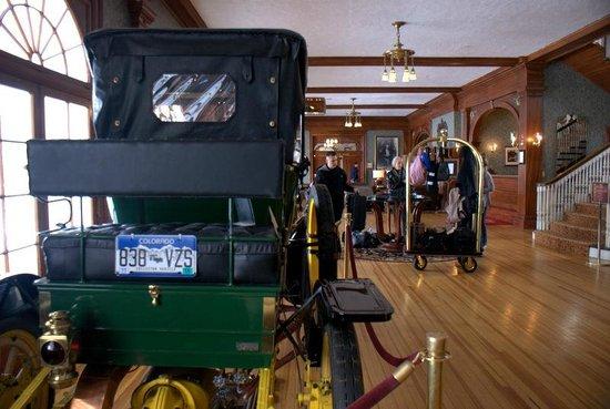 Stanley Hotel: hotel lobby