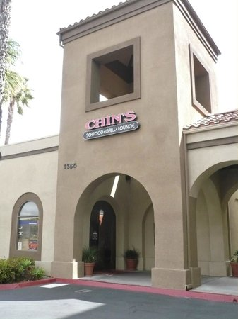 Chin's Seafood & Grill: Chin's attached to Holiday Inn Miramar