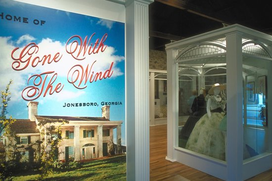 Jonesboro, GA: Interior of the Road to Tara Museum