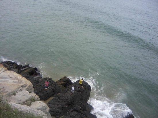 Geriba Beach : Vista do ponto mais alto que consegui subir...rs