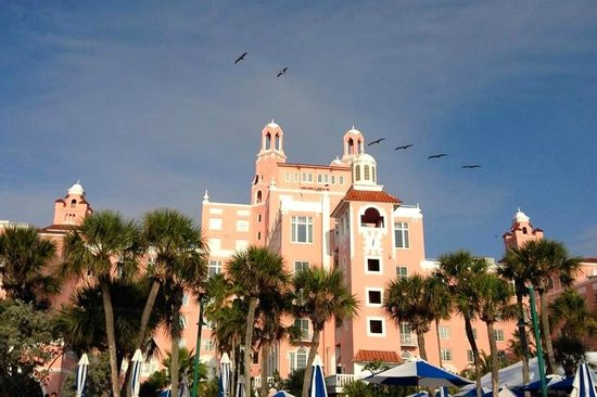 The Don CeSar : The hotel from the beach