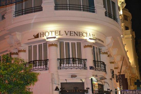 Hostal Venecia : Vista desde la calle