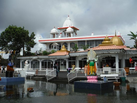 Ganga Talao - Grand Bassin: Temple