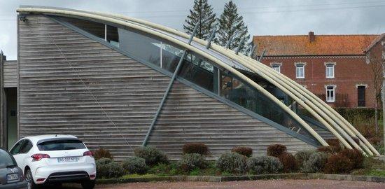 Centre Historique Medieval - Azincourt : Great design for the entrance