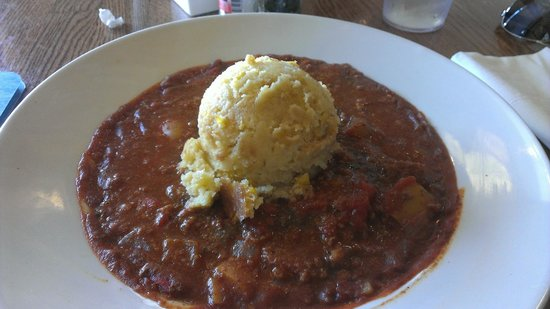 Mosquito Cafe: Chili with a scoop of cornbread