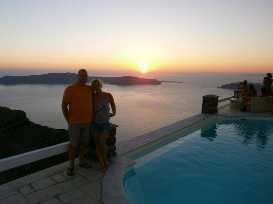 Tholos Resort : Ηλιοβασίλεμα από τον χώρο της πισίνας