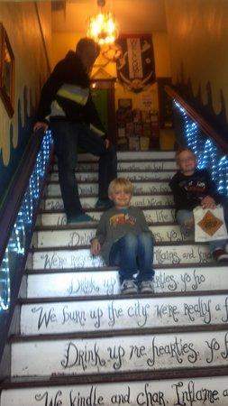 The Pirate Haus Inn: We love the pirate haus