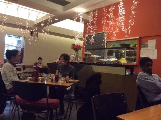 Cafe Dewitt: Dining area