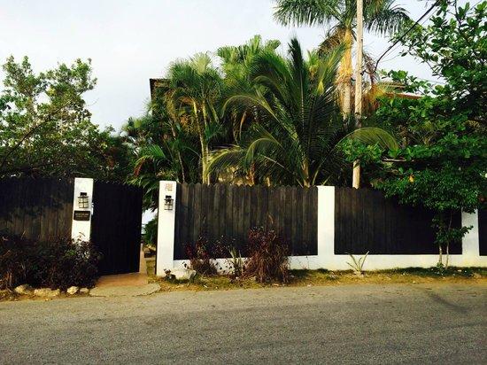 Villas Sur Mer : Seaside Villa entrance