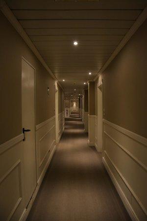 Hotel Ambasciatori: Corridoio