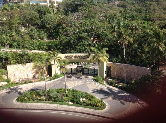 Garza Blanca Preserve, Resort & Spa: Back gate makes resort very secure