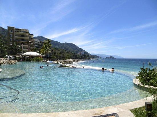 Garza Blanca Preserve, Resort & Spa: The infinity pool