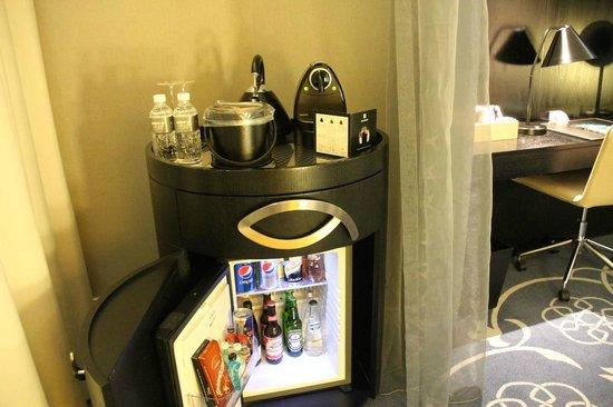 W Doha Hotel & Residences: Nespresso Coffee station and Minibar