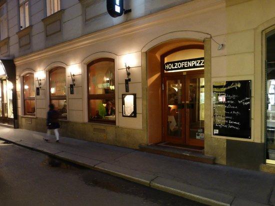 Cafe-Restaurant Cavaliere: Restaurant Exterior