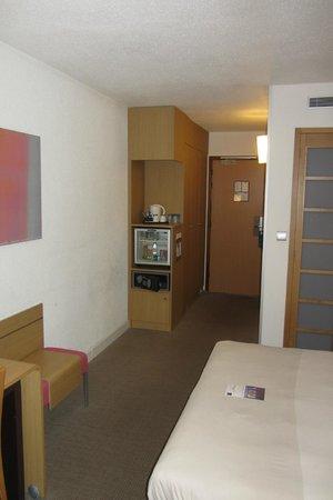 Novotel Paris 14 Porte d'Orléans : il manque la 2e porte entre l'entrée et la chambre