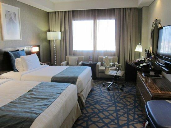Crowne Plaza Dubai-Deira: Room