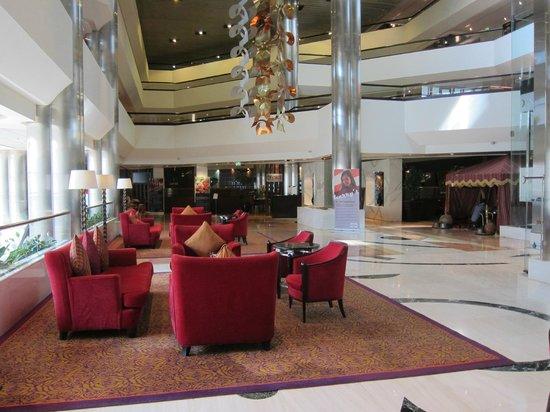 Crowne Plaza Dubai-Deira: Lobby