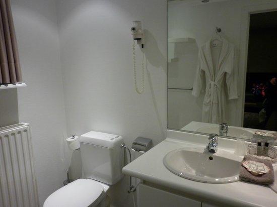 Villa Hotel : badkamer