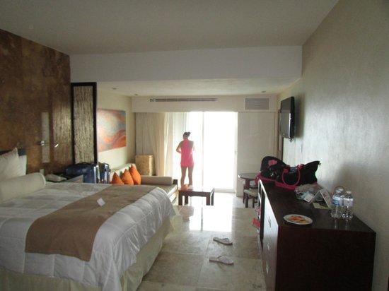 Sunset Royal Beach Resort: Stdio remodeled