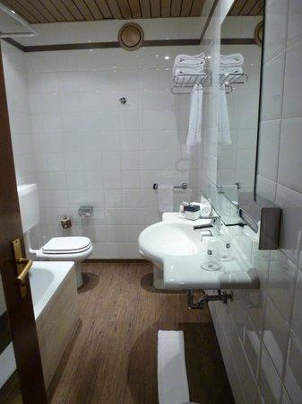 BEST WESTERN Hotel Modena District: Il bagno della nostra camera