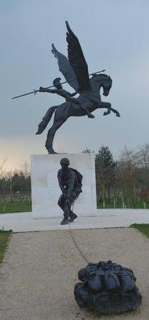 National Memorial Arboretum: Airborne Memorial