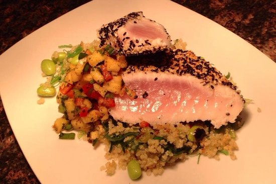 Olive B's Big Sky Bistro : Seared Ahi...YUM!
