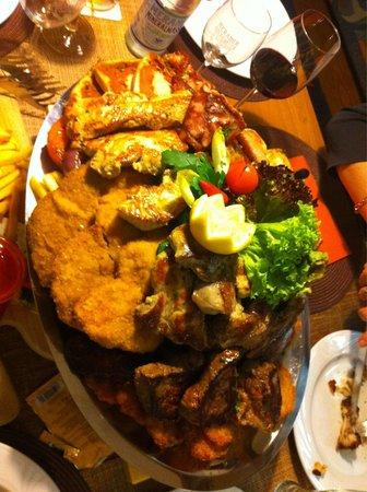 Tennis Restaurant Gerhard: Vassoio di carne mista