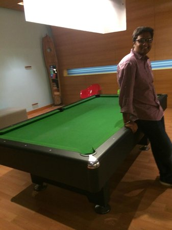 Aloft Bengaluru Whitefield : pool table at the business centre/lobby