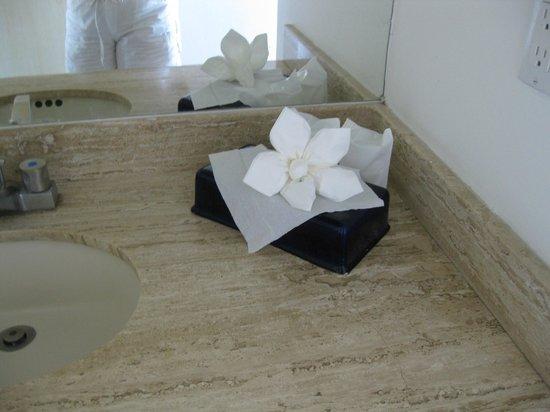 El Cid Marina Beach Hotel: well supplied bathrooms