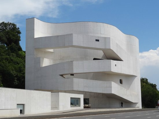Fundacao Ibere Camargo : Arquitetura de Alvaro Siza